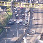 Tiros assustam motoristas na Linha Amarela Rio de Janeiro