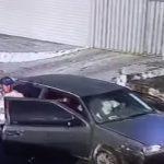 Idoso tem carro roubado por bandidos armados em Fortaleza