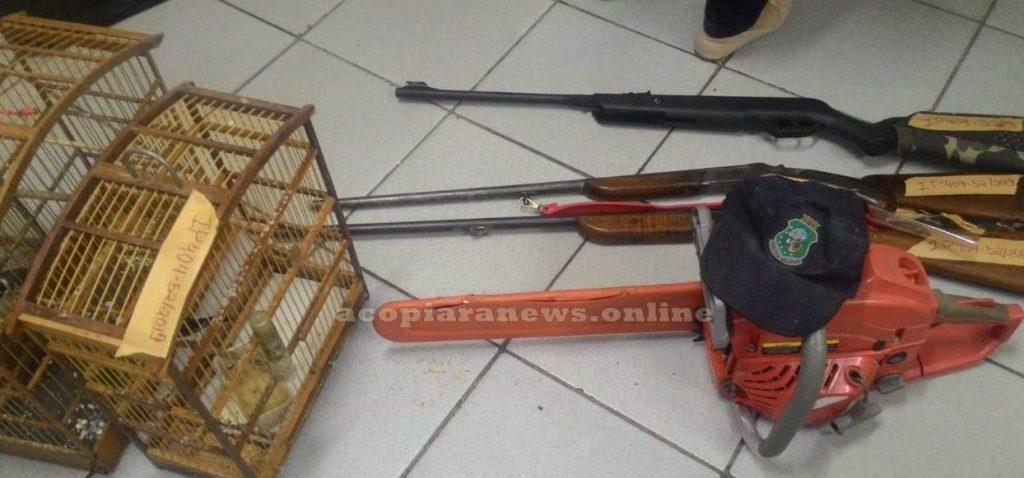 Policia apreende armas em Acopiara