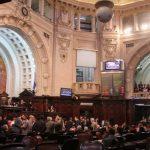 Aprovado porte de arma para deputados estaduais do Rio de Janeiro