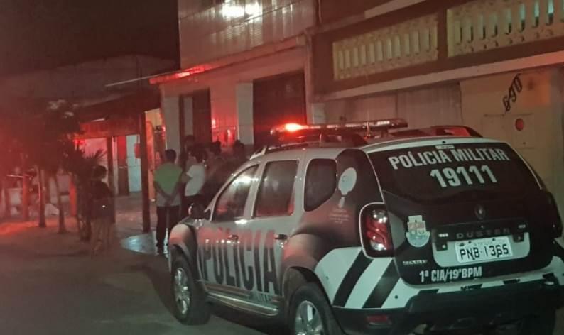 Tiroteio em Bar na capital deixa uma pessoa morta e vários feridos